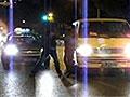 实拍武汉街头因超车引发斗殴