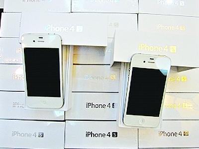 男子全身塞满数百台iphone4S入境被查