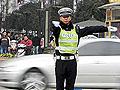 成都交警指挥交通如跳拉丁舞蹿红网络