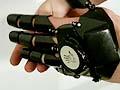 科幻风格手套手机Glove One问世