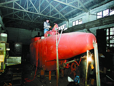下岗工人造潜艇售价20万订单不断