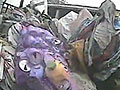 记者暗拍玩具厂用医疗垃圾制作塑料玩具