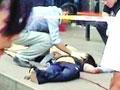 保洁员坠楼身亡落地砸中两名路人