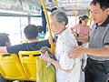 郑州公交这一年市民文明出行让座率达96%