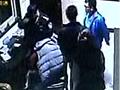 新密城关派出所遭五人硬闯副所长被打伤