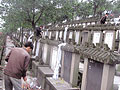 """清明节将至郑州民众惊呼""""死不起"""""""