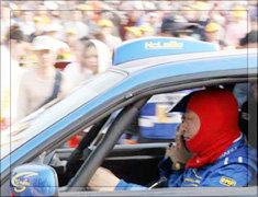 2005年卢宁军在DAKAR拉力赛发车仪式上