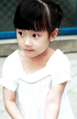 超萌的中国小女生