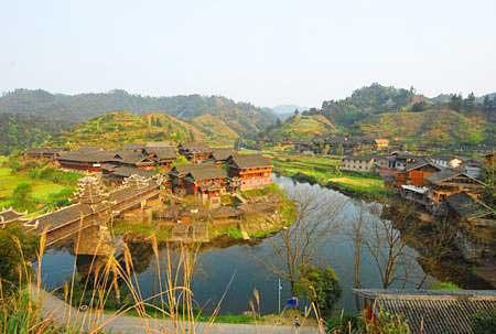 芋头侗寨古建筑群因山就势,结构造型具有典型的侗族风格,鼓楼,门楼,芦