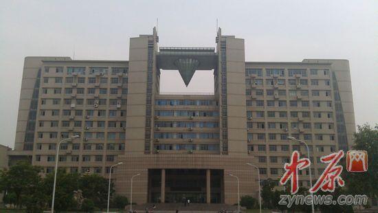 郑州轻工业学校教三楼-郑州轻院中年男子跳楼自杀 该校10天2人跳楼