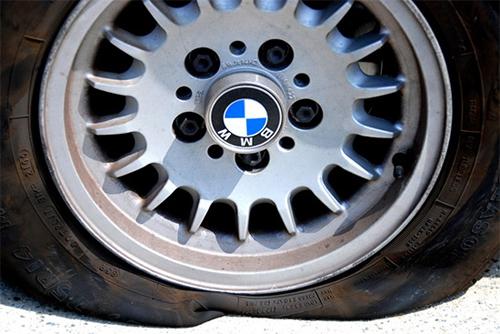 保持正确的轮胎气压图片