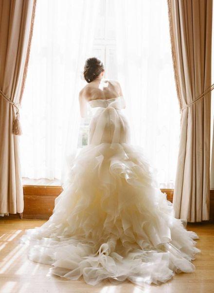 薄纱款婚纱