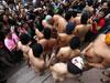 大学男生集体裸奔