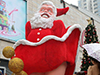 街头性感圣诞老人
