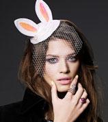 超模化身兔女郎