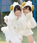 AKB48萌妹骑木马