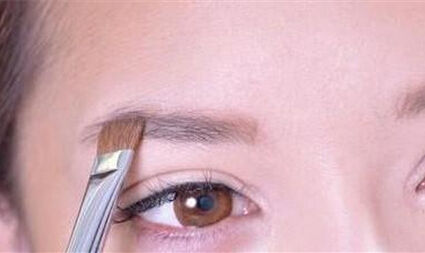 韩式新娘粗眉妆6步教程 准新娘们不妨动手试试