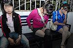 卖淫女公园内猖狂揽客称很安全