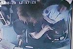 实拍公交司机突遭乘客刀刺后忍痛停靠