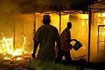 实拍男子为报复同乡深夜纵火全程