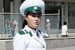 揭秘朝鲜女交警生活 化妆品国家免费提供