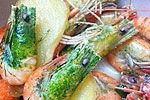 河虾煮熟头部变绿 网友疑是孔雀石绿