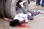 监拍醉酒男与女友起口角开货车将其碾死