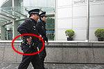 上海民警配枪巡逻