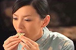 最嗲上海美女教你吃大闸蟹