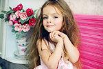 俄罗斯4岁小模特超萌似小精灵 网络爆红