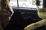 恶搞 司机在出租车里放蟒蛇吓顾客