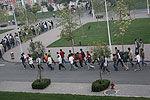 郑州大学晨跑两圈可免费吃早餐引千人跑步