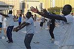 3名非洲男跳广场舞将最炫民族风带回非洲