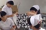护士上班时间炫耀花裤衩 病人看病受冷遇