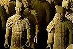 秦陵考古首次发现盗洞和俑身击打痕迹