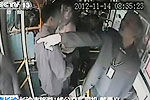 公交司机一声怒吼 小偷交出盗窃手机