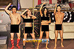 女模全裸跳马舞庆总统大选投票率高