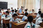 内蒙古火箭班14岁男孩因考试退步跳楼身亡