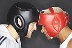 实拍拳击手赛前对视突吻对手