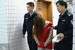 监控拍下男子带初识女子宾馆开房被偷