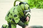探秘南宁拆弹部队 防爆服重达36公斤