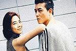 陈冠希与女友穿情侣装庆生 表情凶狠