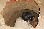 印度盗贼挖40米地道 洗劫银行77保险箱